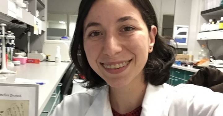 Karina Barbosa Guerra in the lab