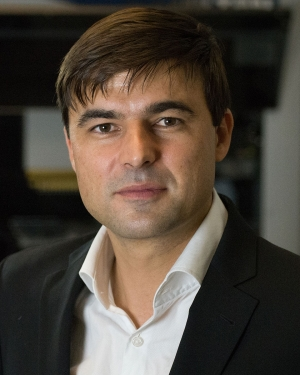 alexandre Colas, Ph.D. in the lab