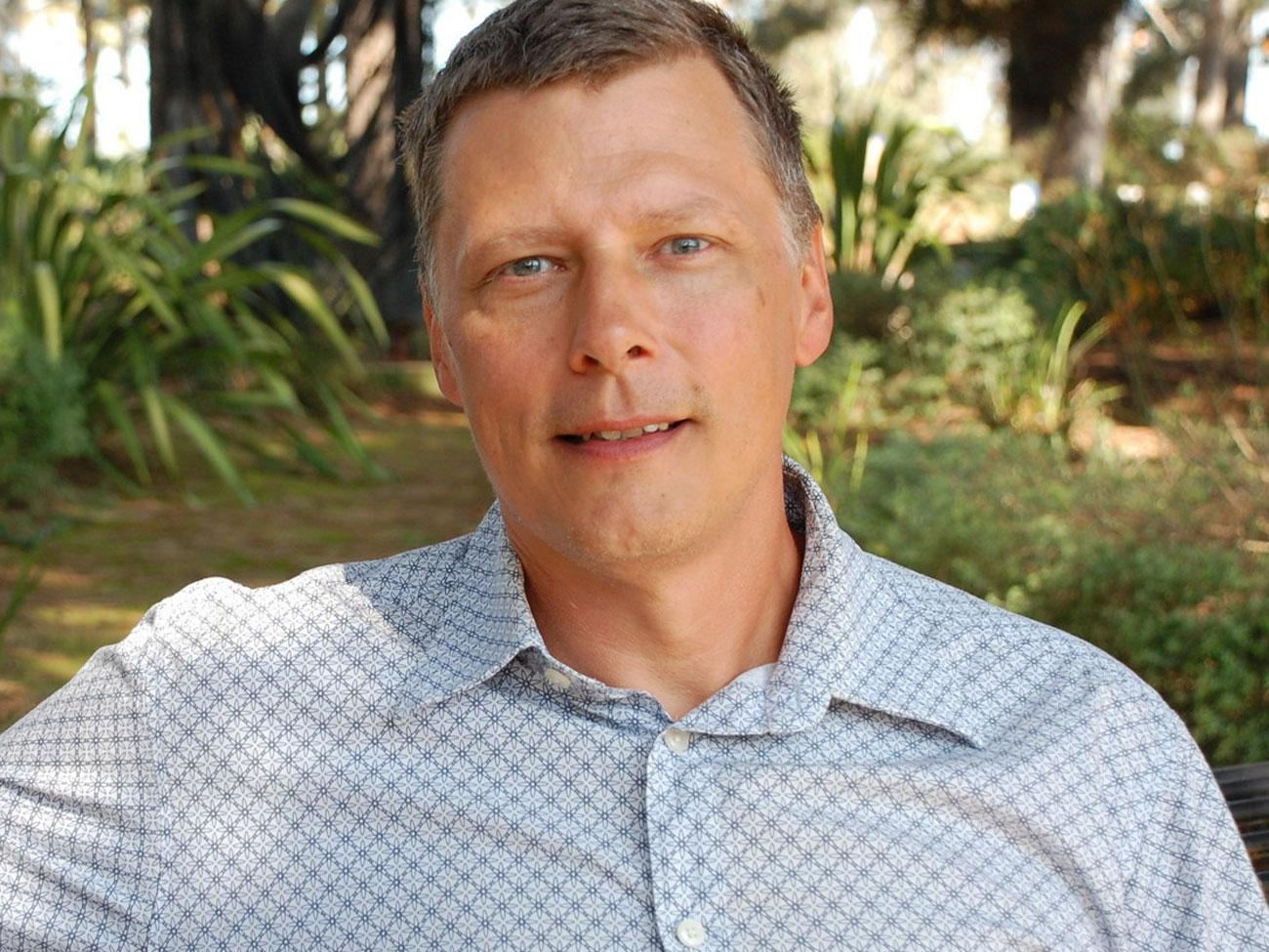 scott peterson Scott peterson is a trainer, author, presenter, and a microsoft certified solutions developer scott has been developing microsoft enterprise solutions f.